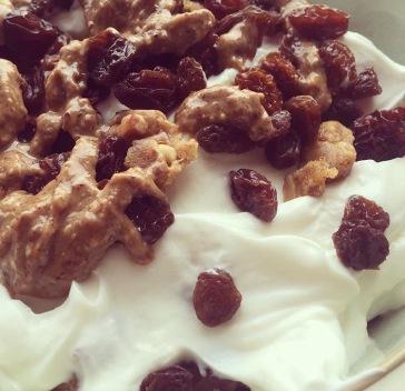 Yoghurt, Dried fruit, Nut Butter